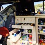 ハイエース型キャンピングカーの食料確保とシャワー環境