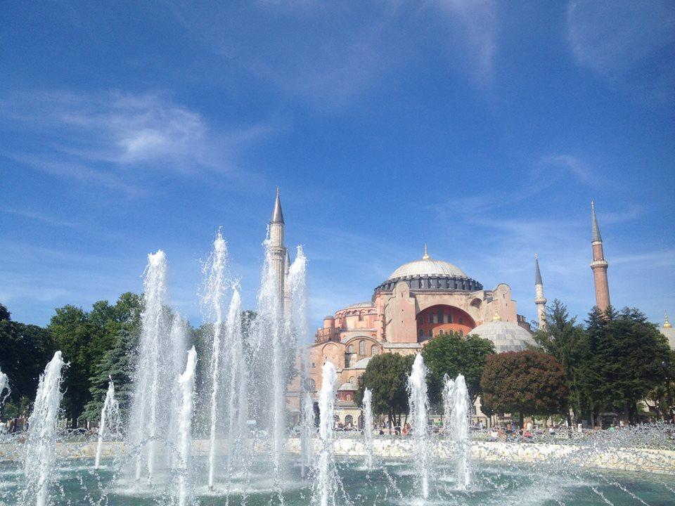 イスタンブールのアヤソフィア博物館とヒッポドロームを巡る