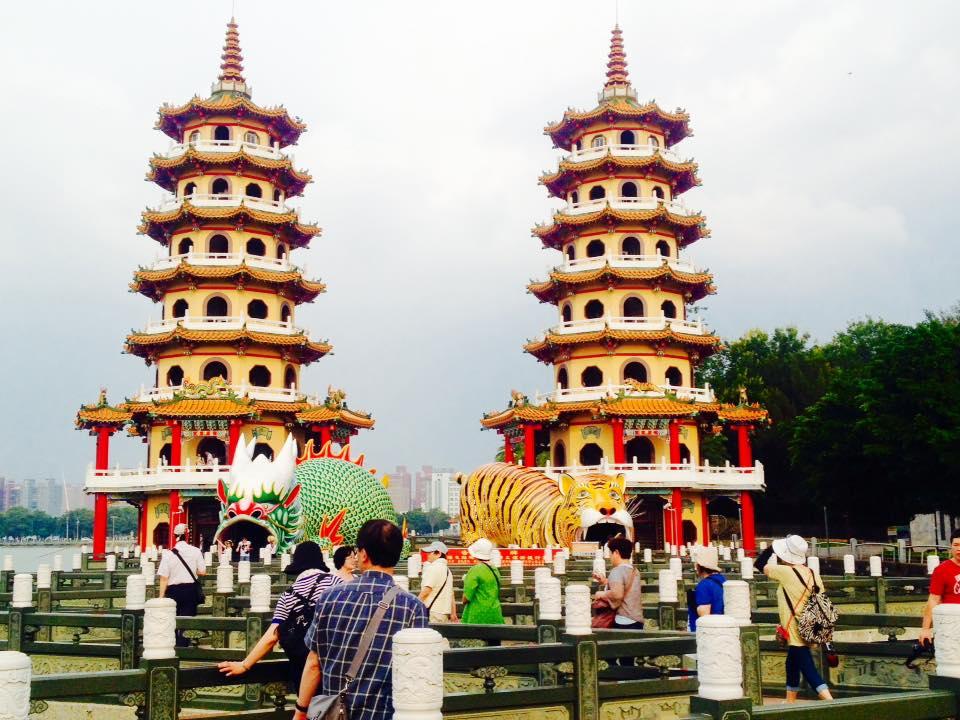 高雄85大樓展望台と愛河や蓮池譚の龍虎塔の台湾南部を巡る
