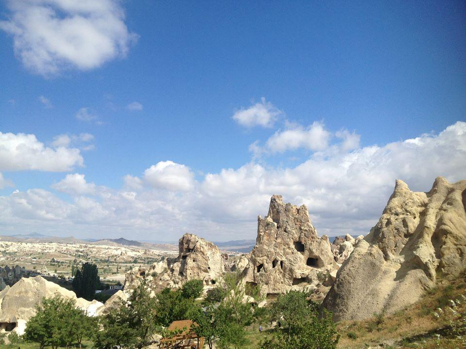 ウチヒサルからギョレメ奇岩群を眺めカイマクルの地下都市を巡る