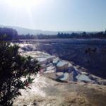 パムッカレ温泉と石灰棚やヒエラポリス博物館と円形劇場を巡る