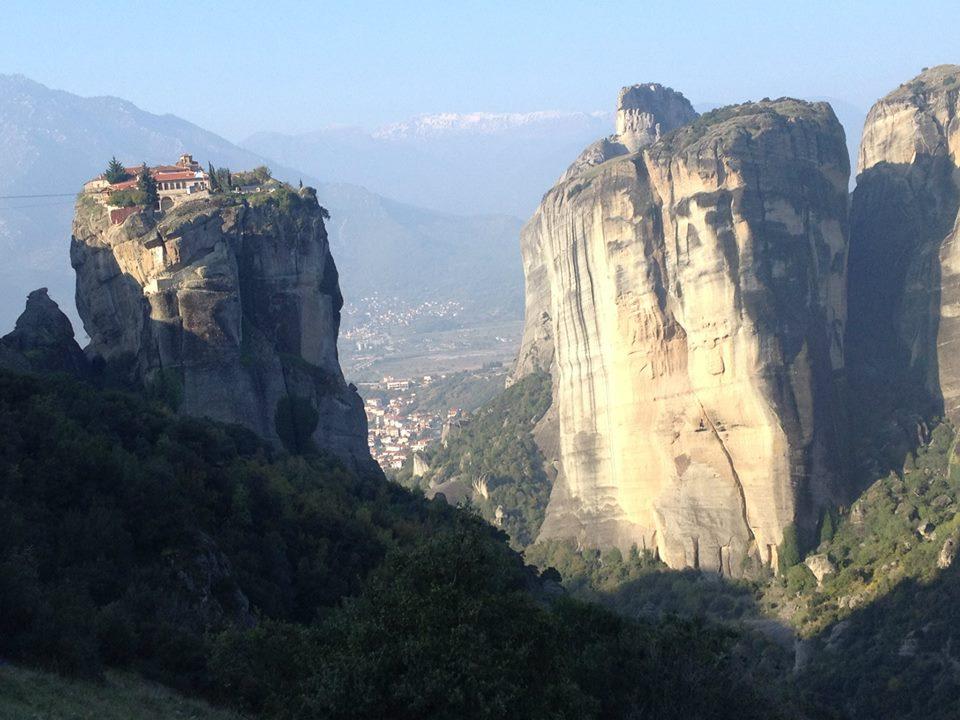 ギリシャのメテオラにある天空のヴァルラーム修道院を訪ねる