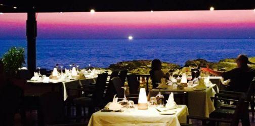 レストランから見る夕陽