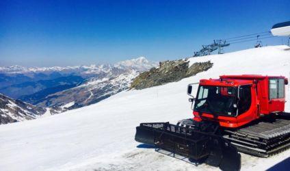 バルトランスと雪上車