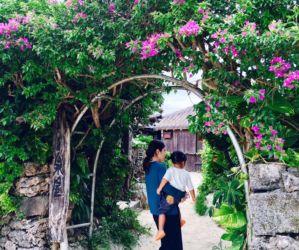 花の溢れる竹富島