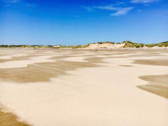 ロッシリビーチの砂浜