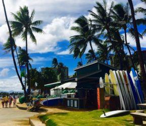 ワイキキビーチとサーフボード