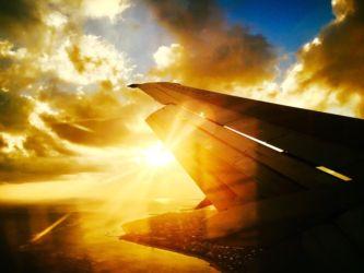 石垣空港上空からの夕陽