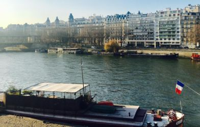 パリの運河