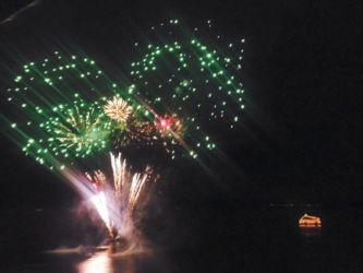 洞爺湖の花火と遊覧船