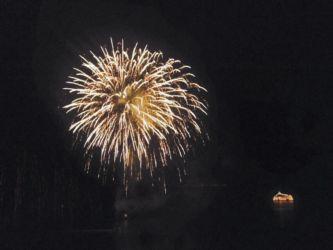 洞爺湖の夜花火