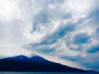 観光船からの硫黄山