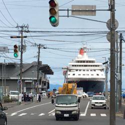 小樽港に停泊中のにっぽん丸