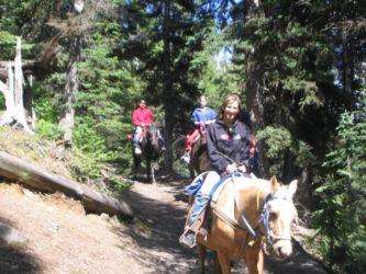 バンフで乗馬体験